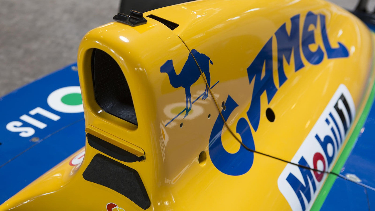 Foto de Benetton B-191-02 (12/19)