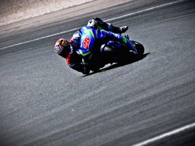 El Team Suzuki Ecstar sigue evolucionando en Valencia