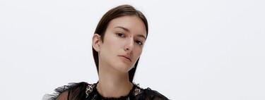 Uterqüe tiene en rebajas los jerséis, camisetas y tops más ideales para marcar la diferencia de un look
