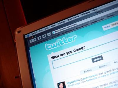 Mostrarte tweets de gente a la que no sigues, el nuevo experimento de Twitter
