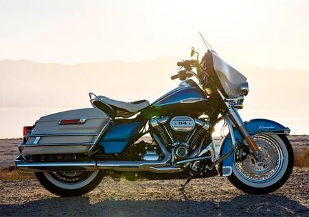 Harley Davidson Electra Glide Revival 2021 3