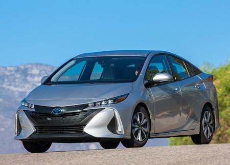 Toyota vendió 1.5 millones de autos electrificados durante 2017