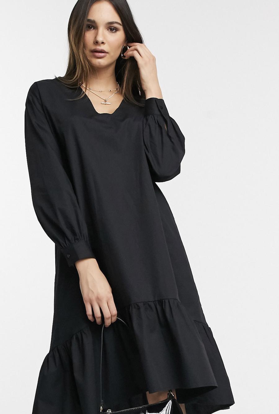 Vestido midi amplio negro con mangas abullonadas de Vero Moda