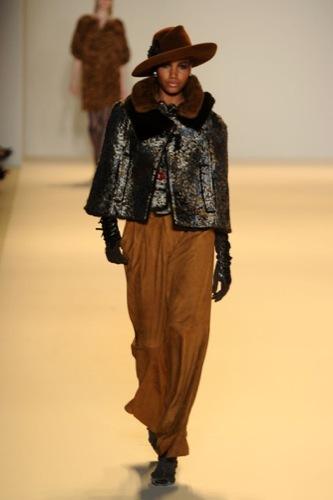 Carolina Herrera, Otoño-Invierno 2010/2011 en la Semana de la Moda de Nueva York III