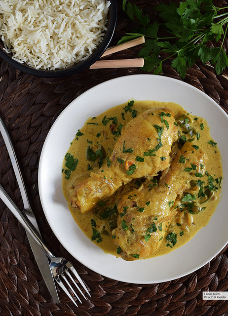 muslitos de pollo al curry con leche de coco