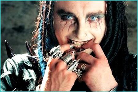 El cantante de 'Cradle of Filth' nos trae la Biblia del Black Metal