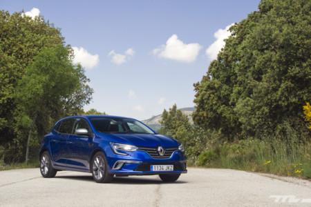 Renault estrena en Londres vallas publicitarias con reconocimiento de vehículos