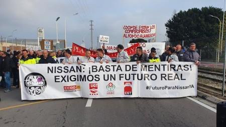 Los Trabajadores De Nissan Cortan La Ronda Litoral En Barcelona