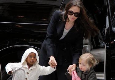 Angelina Jolie se marchó dando un portazo