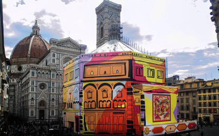 Pucci transforma unos andamios en una auténtica instalación Pop Art en Florencia, haciendo de la necesidad virtud