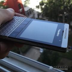 Foto 14 de 39 de la galería blackberry-bold-9980-knight-nueva-serie-limitada-de-blackberry-de-gama-alta en Xataka Móvil