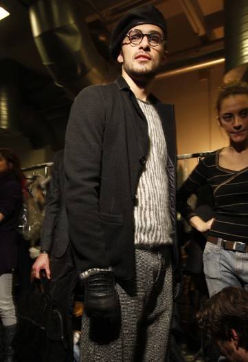 En el backstage de Giorgio Armani, Otoño-Invierno 2010/2011