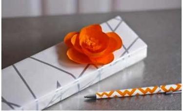 Manualidades con niños: tutorial para hacer flores de papel pinocho