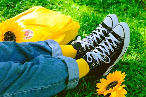 Las mejores ofertas en zapatillas hoy: nueve Converse de lona rebajadísimas y súper prácticas para la primavera