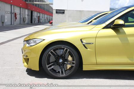 BMW M4 Coupé capó