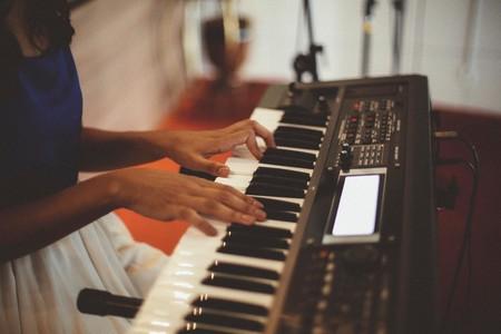 Toca el piano con amigos, a distancia y desde tu móvil: así es el nuevo piano compartido de Google