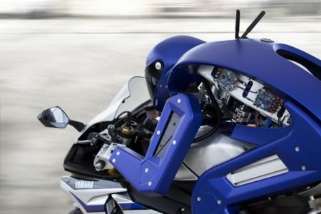 Yamaha Motobot desafiará a Valentino Rossi en 2017