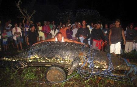 Un cococrilo de 6 metros aparece en Filipinas
