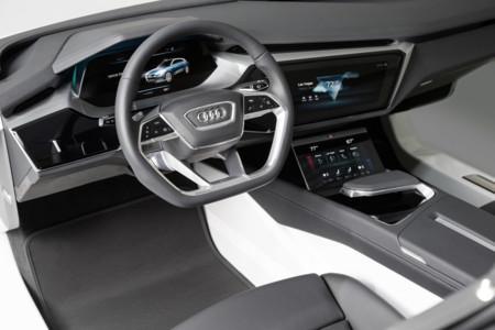 Audi quiere que sigas toqueteando las pantallas de sus coches