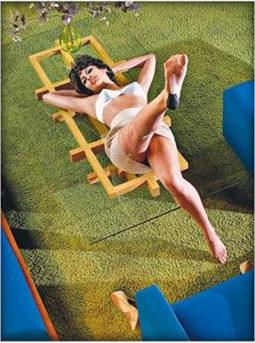 La primera foto de Eva Mendes para Calvin Klein