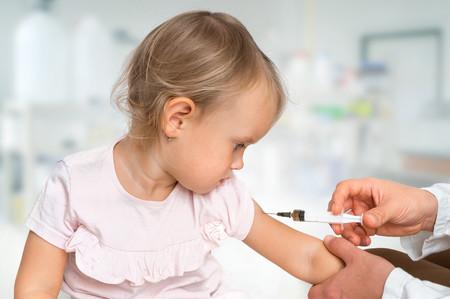 ¿Qué debes tener en cuenta antes de vacunar a tus hijos? Contraindicaciones de las vacunas