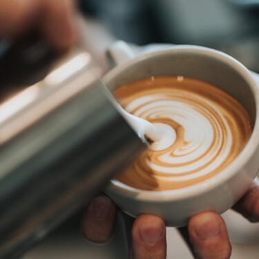 Los espumadores eléctricos más prácticos y bonitos para elaborar el café tan cremoso como en nuestro bar favorito