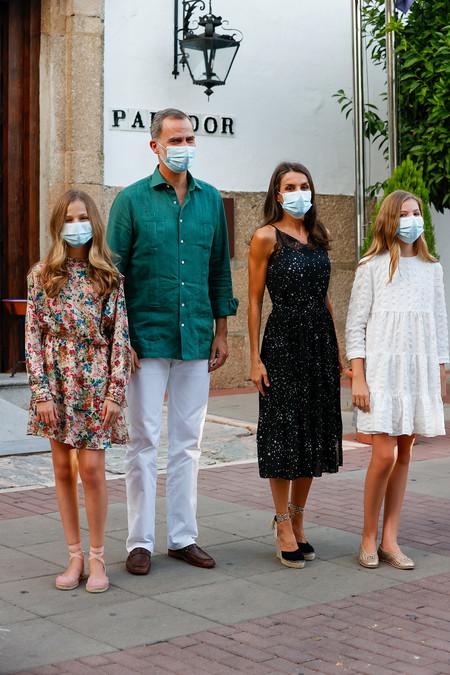 Doña Letizia, la princesa Leonor y la infanta Sofía lucen en Mérida tres vestidos perfectos de verano