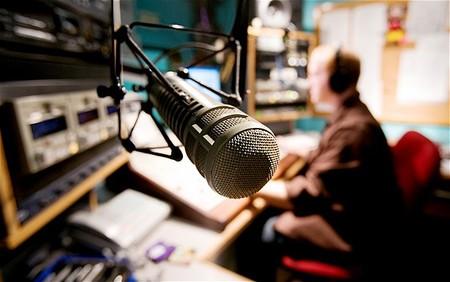 Colombia está lejos de hacer la transición a la radio del futuro