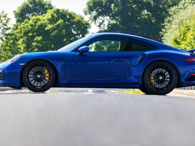 Blue Arrow, así se llama el brutal Porsche 911 Turbo S capaz de alcanzar 344,18 km/h