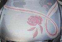Lexus SC430 con cristales de Swarovski, ¿se puede ser más moña?