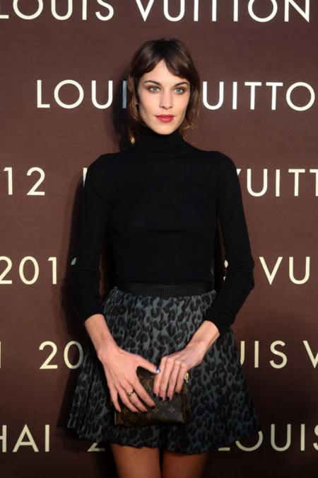 Louis Vuitton estrena una nueva maison lujosa en China con las famosas de fiesta
