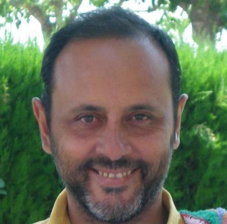 """""""La epidemia de oxitocina podría estar relacionada con la epidemia de autismo"""". Entrevista al doctor Emilio Santos (I)"""