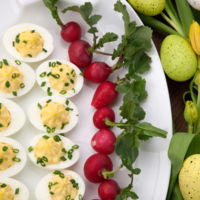 Cenas proteicas, rápidas y fáciles: huevos rellenos de bacalao (III)