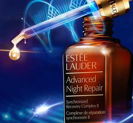Advanced Night Repair de Estée Lauder, perfecto para reparar el rostro tras los excesos veraniegos