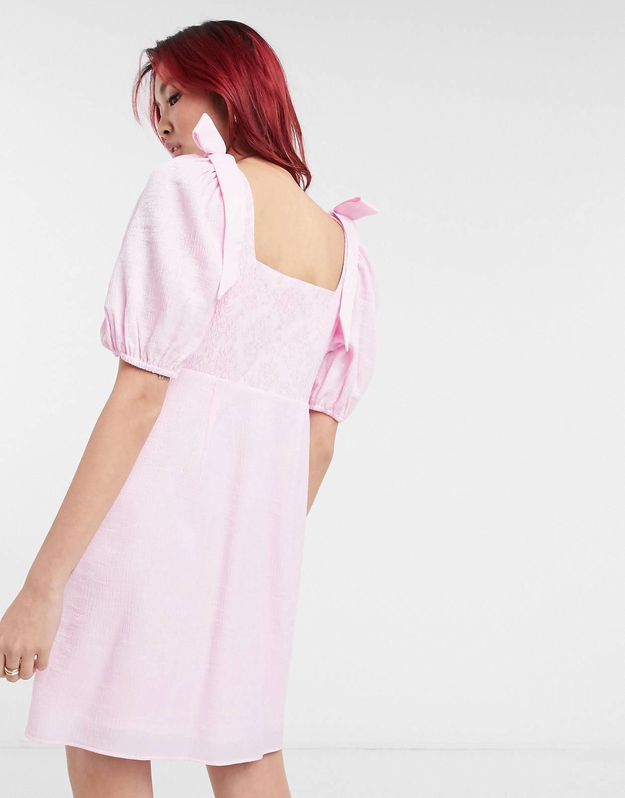 Vestido corto rosa de manga abullonada de & Other Stories