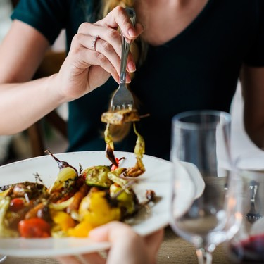 ¿Cómo masticar la comida adecuadamente para tener buena digestión?