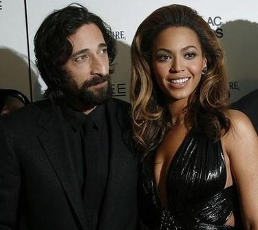 Adrien y Beyonce: sexo, violencia y rock & roll