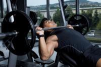 Cómo hacer correctamente la retracción escapular: levanta más peso y protege tus hombros