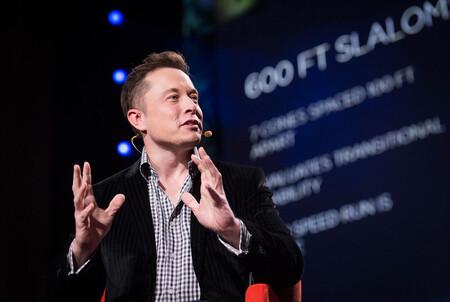 Demandar a SpaceX como trabajo a jornada completa: Elon Musk arremete contra Jeff Bezos en la particular guerra espacial  de ambos