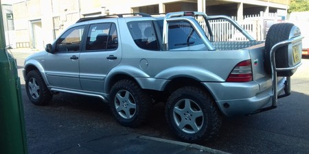 Mercedes-Benz ML con seis ruedas