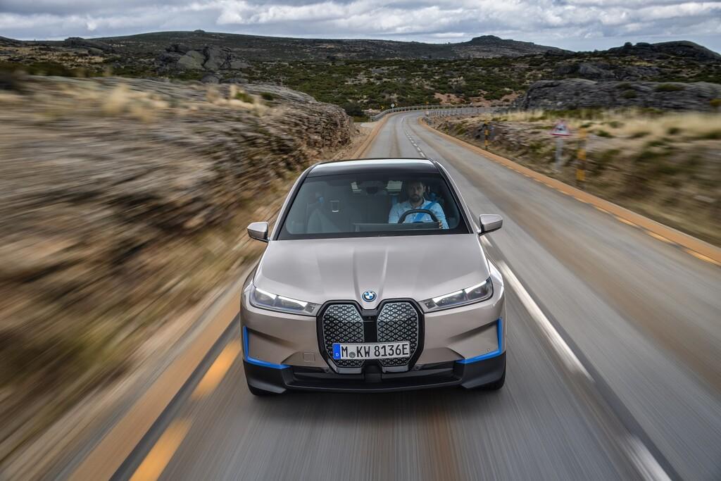 Nuevo BMW iX: el futuro buque insignia de BMW es un SUV eléctrico con más de 600 km de autonomía y 500 CV que llegará en 2021