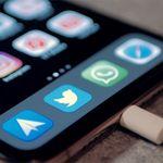 Encuentran varias aplicaciones para iPhone grabando la pantalla y capturando datos bancarios sin informar a los usuarios
