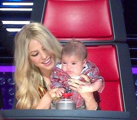 Mami Shakira le pone música a los enfados de Milan