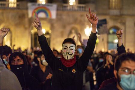 Los españoles ya no confían en nada ni en nadie: el hundimiento de la fe en el sistema