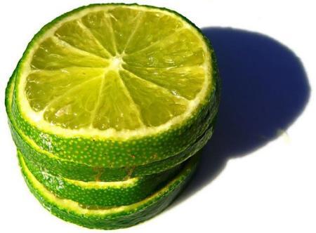 Agua tibia con limón: la mejor manera de empezar el día