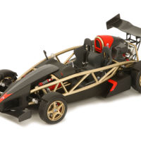 ¿No te llega para un Ariel Atom V8? Ya puedes tener una maqueta 1:18 oficial, fabricada en España