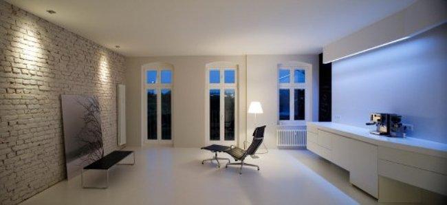Salón blanco y minimalista