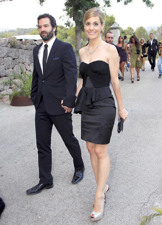 Del plat de televisi n a la boda de patricia conde el for Boda en jardin de noche como vestir