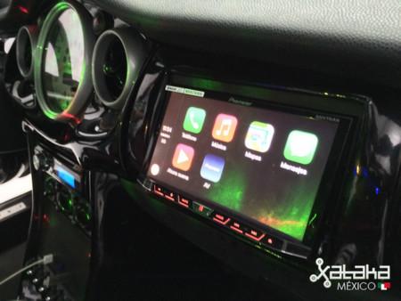 Receptor Pioneer con CarPlay de Apple, primeras impresiones desde México