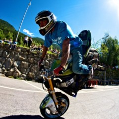 Foto 2 de 18 de la galería exito-del-primer-campeonato-de-freestyle-stunt-riding-encamp-2011 en Motorpasion Moto